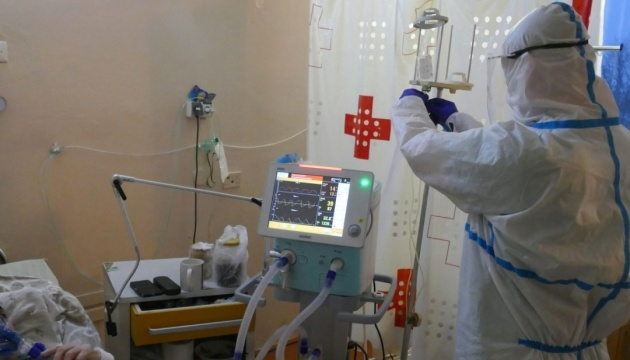 Наибольшее количество больных коронавирусом находится на Западе, в Киеве и Харькове.