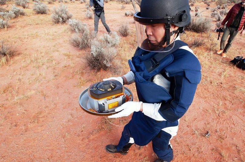 Команда дослідників у Австралії знайшла капсулу, яка вперше доправила на Землю значну кількість гірських порід з астероїда. За словами вчених, капсула в ідеальному стані.