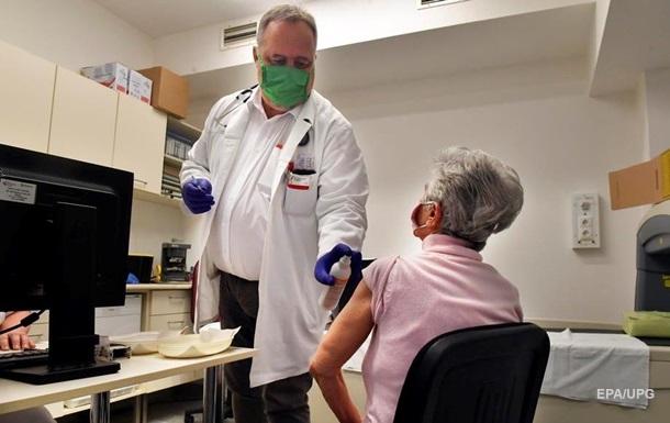 В Угорщині зростає кількість тих, що заразилися коронавірусною інфекцією. За добу вірус забрав життя 130 осіб.