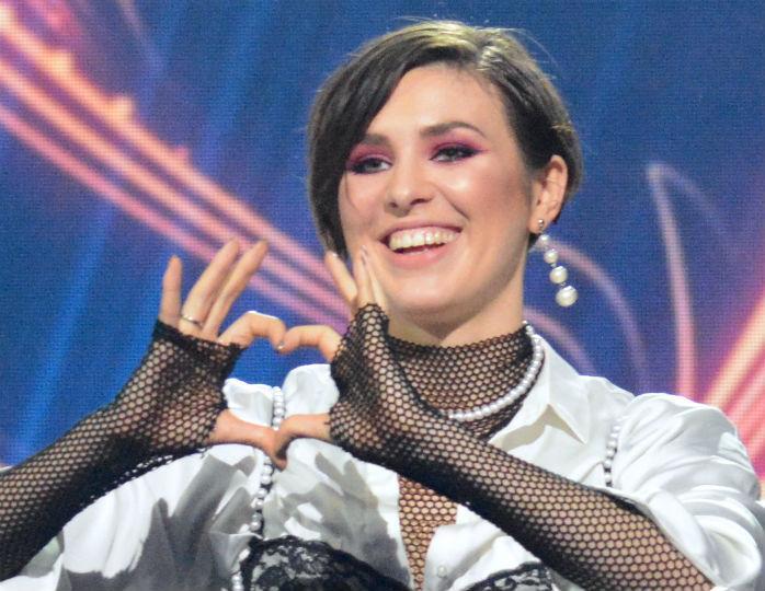 Українська співачка Анна Корсун, відома як Maruv, здобула престижну премію MTV Europe Music Awards. Щоправда, відзначили її в номінації для російських виконавців.