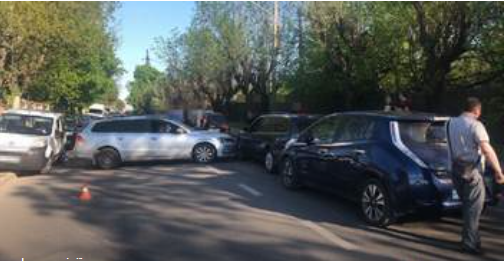 Полковник міліції у відставці Петро Ганусин спричинив ДТП за участі чотирьох автомобілів.