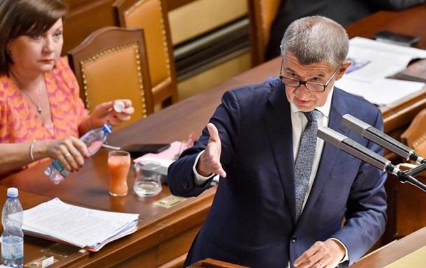 У парламенті Чехії не вдалося зібрати необхідної кількості голосів для висловлення вотуму недовіри уряду прем'єра Андрея Бабіша, якого звинувачують в корупції. Голосуванню передували 17-годинні дебати