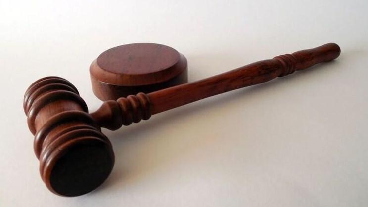 Конституційний суд скасував обмеження на зарплати чиновникам.