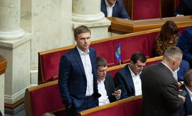 В середньому один закарпатський нардеп обійшовся платникам податків у 400 тисяч гривень