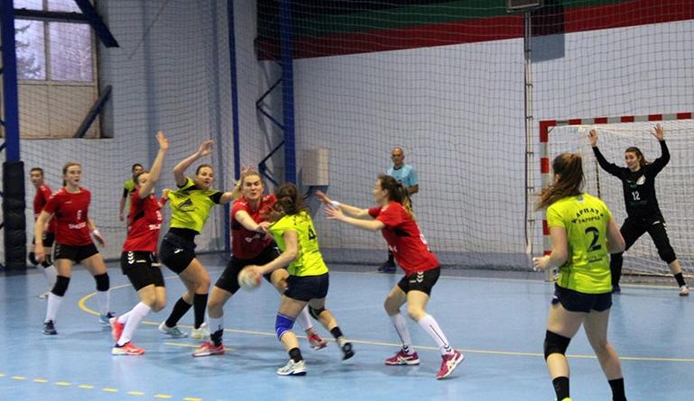 Протягом трьох днів, 6–8 березня, в ужгородському СК «Юність» відбувалися ігри першого з'їзного туру другого етапу (група А) жіночої Суперліги України з гандболу сезону 2019/20.