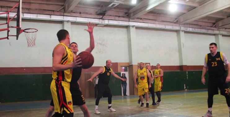 29–30 травня в ужгородському СК «Юність» відбулися вирішальні матчі обласного чемпіонату з баскетболу сезону 2018/19.