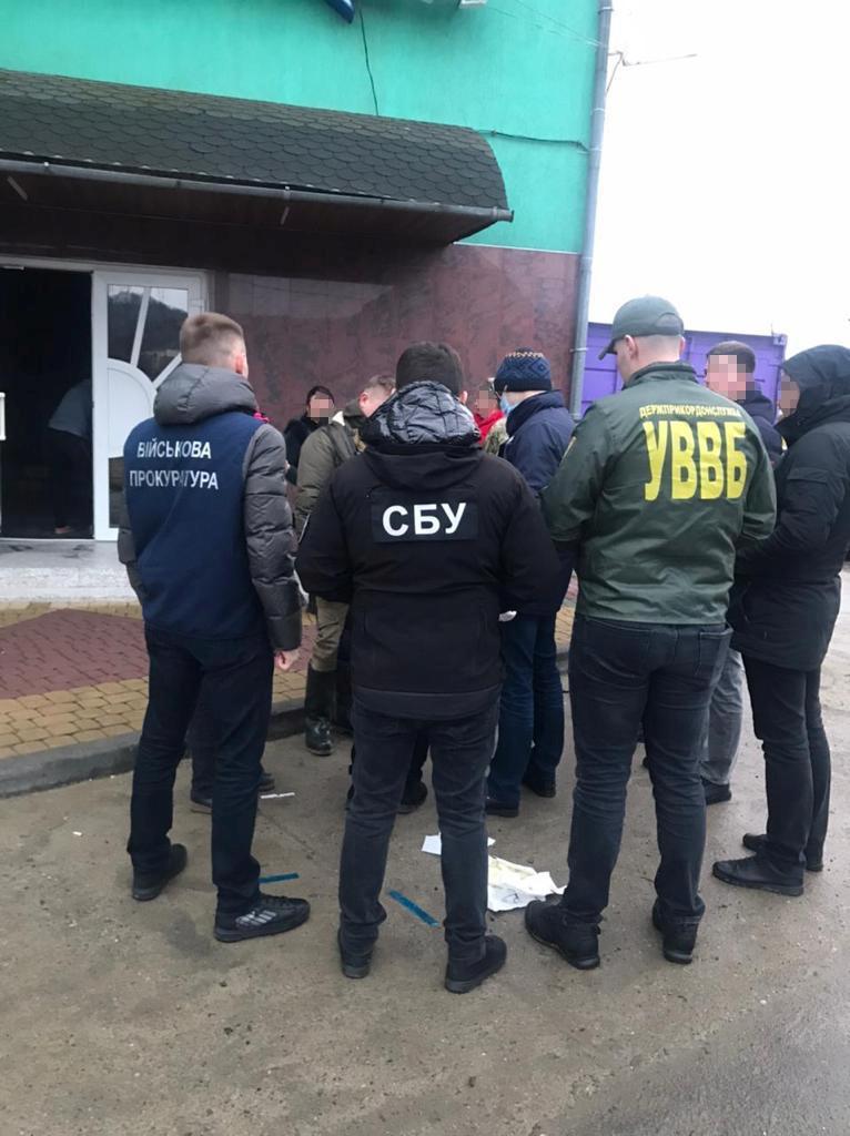 Розпочаті досудові розслідування відносно двох військовослужбовців Мукачівського загону за ч. 3 ст. 368 ККУ «Прийняття пропозиції, обіцянки або одержання неправомірної вигоди».