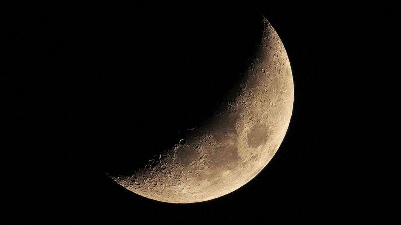 Жодна інша планета не має такого великого супутника, як Земля. Звідки в нас з'явився цей дивний сусід?